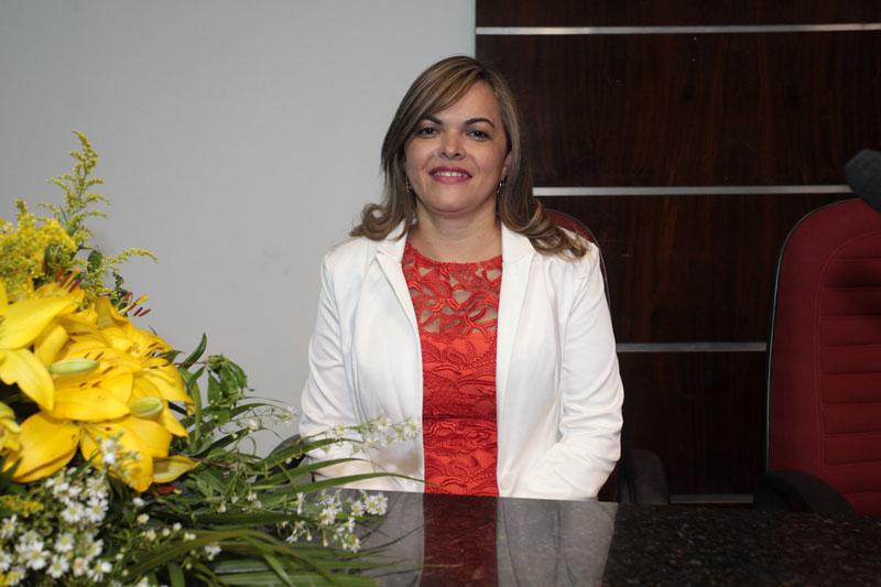 Vereadora Cira requer revitalização do Polo de Atendimento e ampliação da Escola Evandro Aires