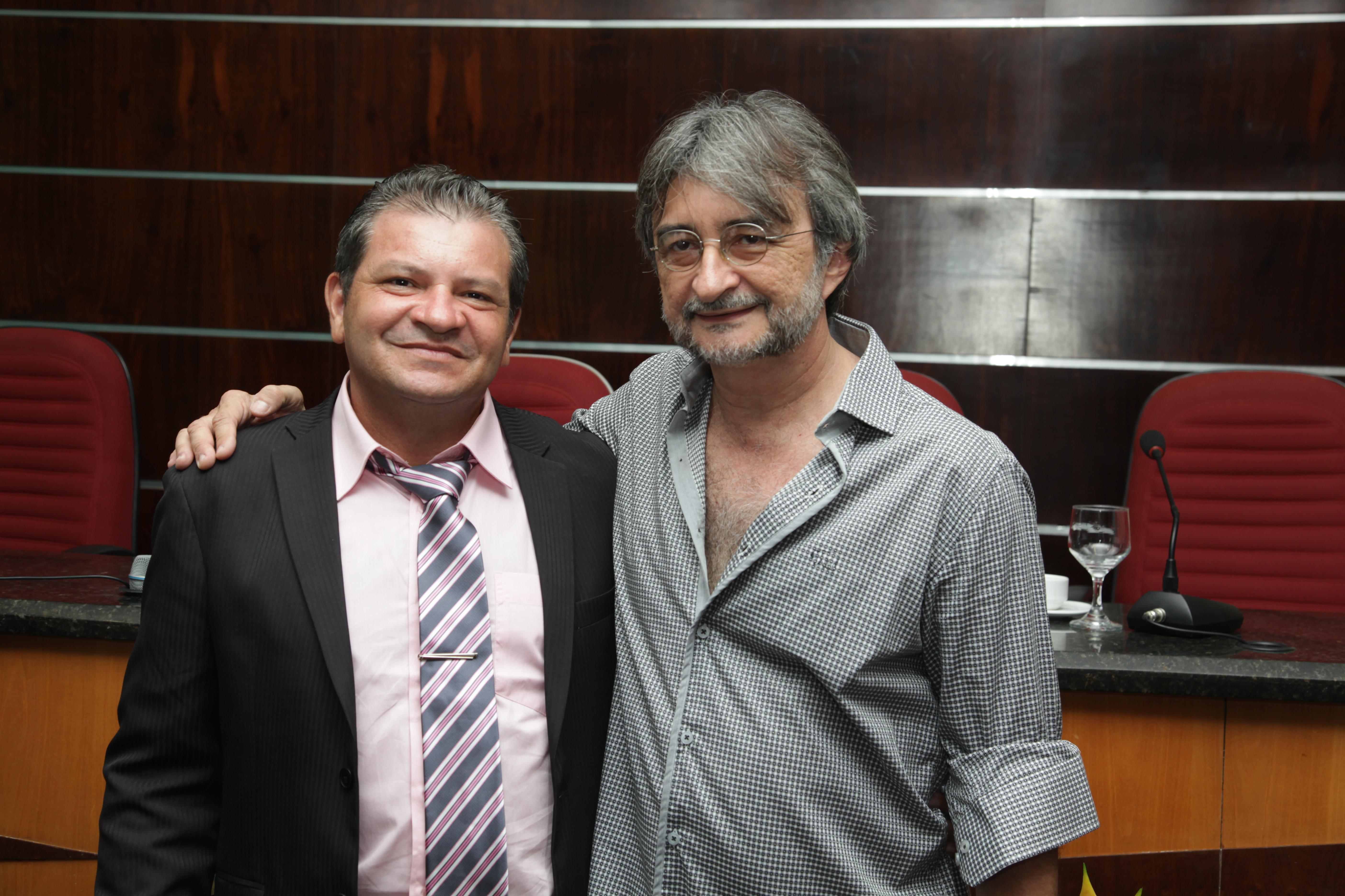 Ednardo Masseno assume presidência da Câmara