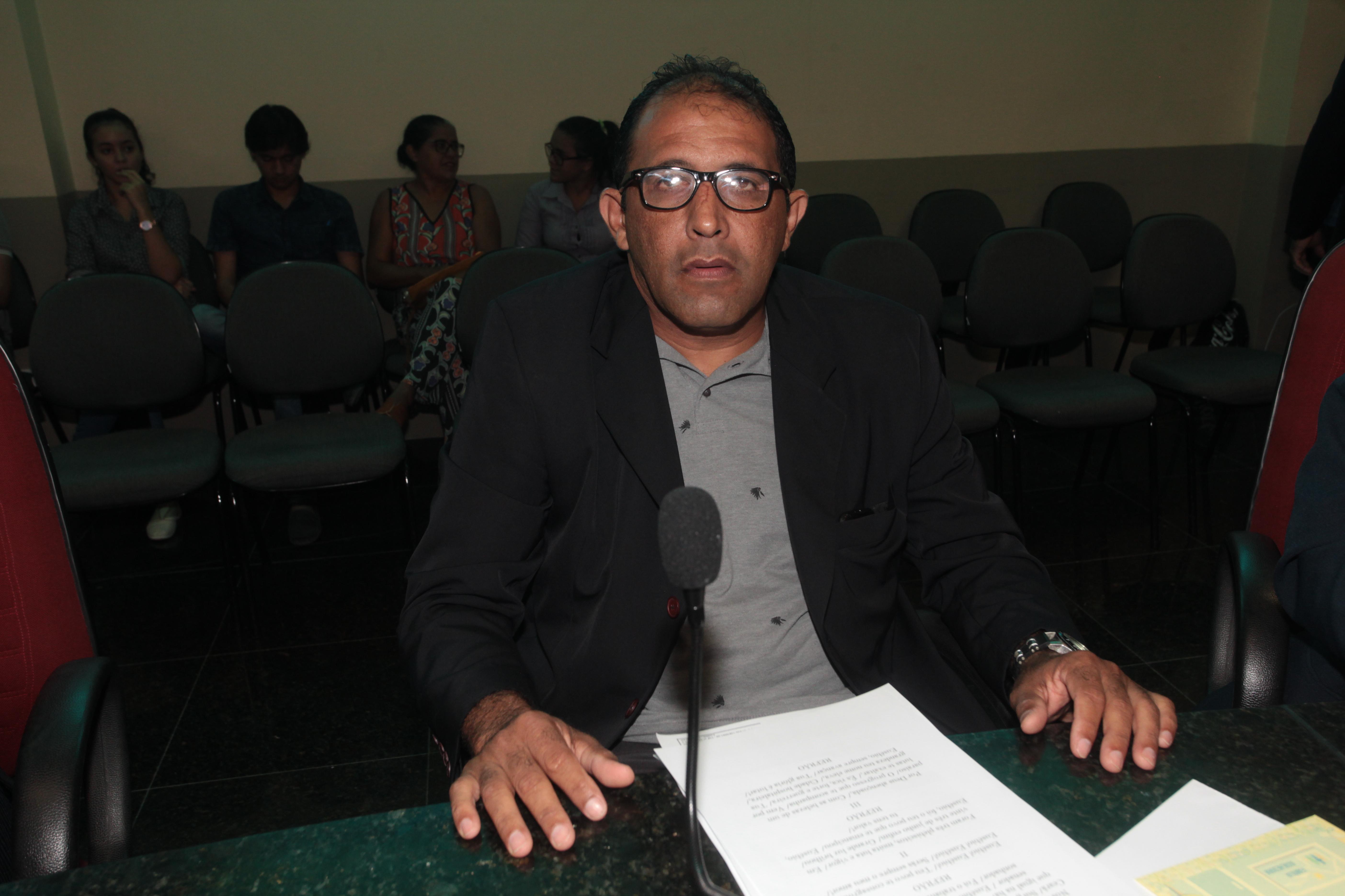 Vereador Dadá solicita pavimentação da rua Maria Benilde no bairro Santa Clara