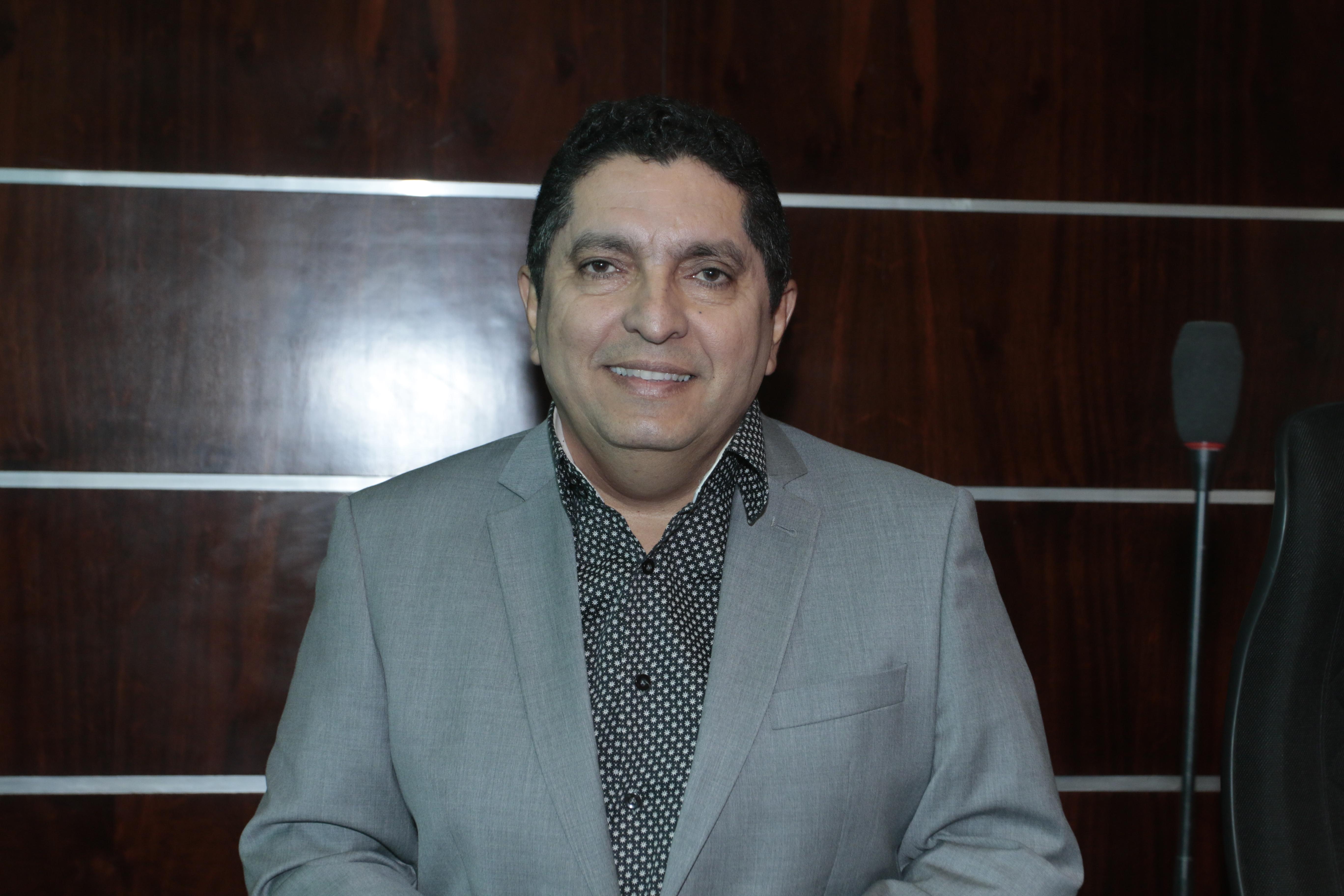 Vereador Fares Filho oficializa denominação da Rua Desembargador Wilson de Norões Milfont
