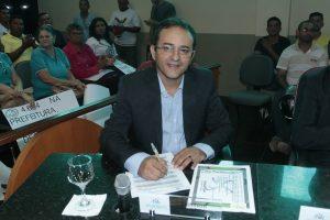 Vereador Elenilson propõe a oficialização da Travessa Teixeirinha