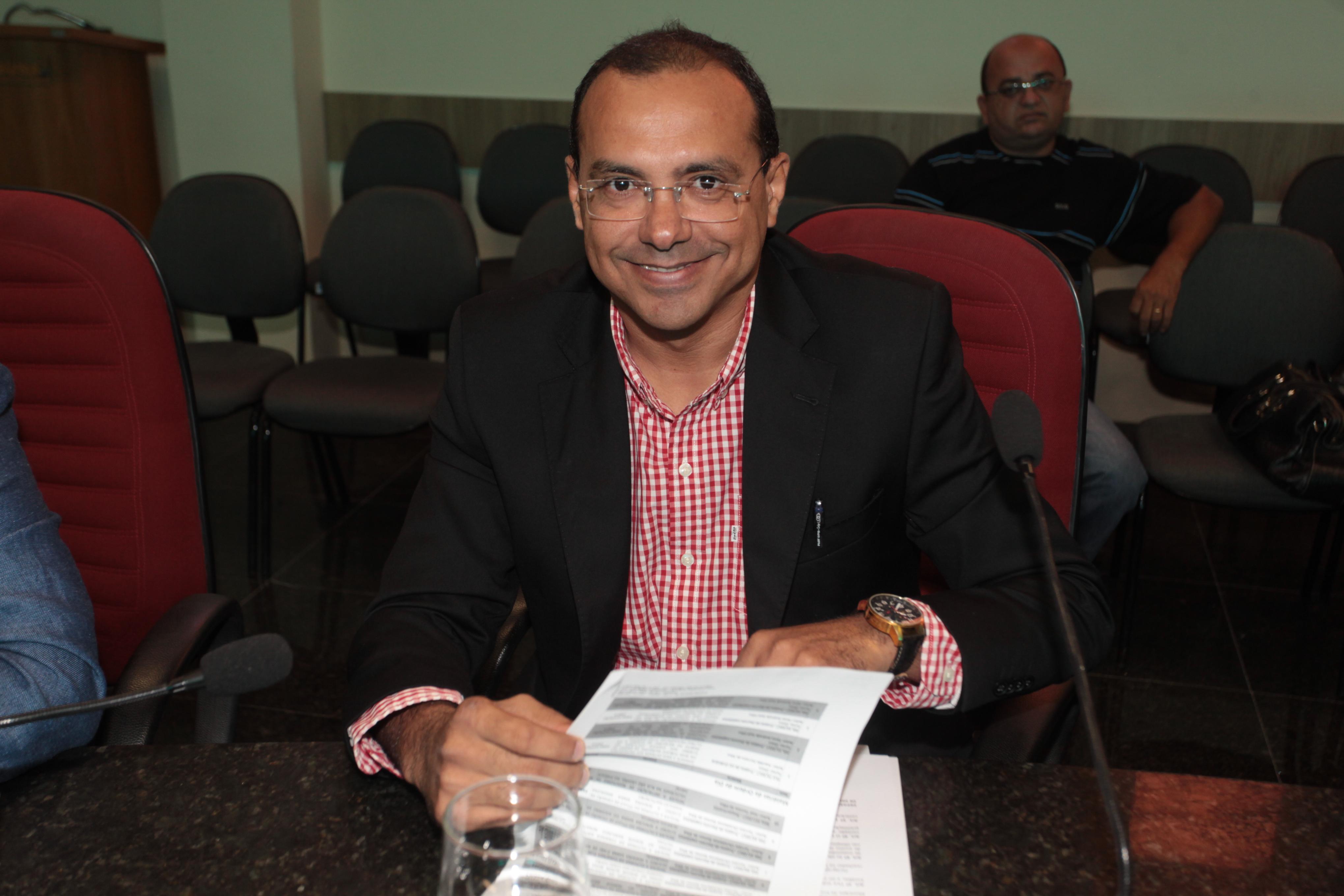 Vereador Nildinho propõe a criação da Academia Eusebiense de Letras