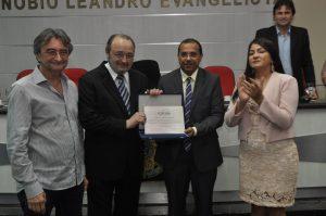 Câmara entrega o título de Cidadão de Eusébio ao Dr. Heitor Gonçalves