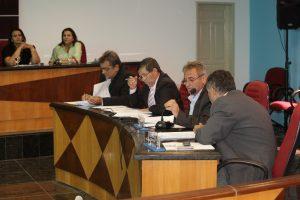 Câmara aprova Projetos e Decretos