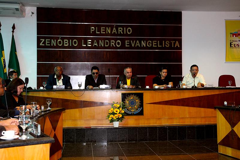 Câmara de Eusébio analisa dez matérias nesta segunda-feira