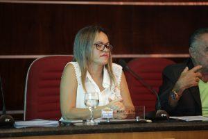 Sessões voltam a ser presididas por Cira Targino