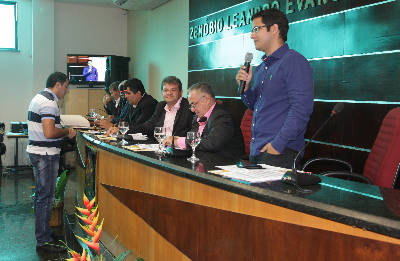 Prefeito de Eusébio participa de 1ª Sessão na Câmara