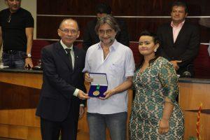 Ex-prefeitos de Eusébio são homenageados na Câmara