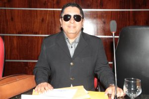 Vereador Fares Filho oficializa denominação de rua no Urucunema