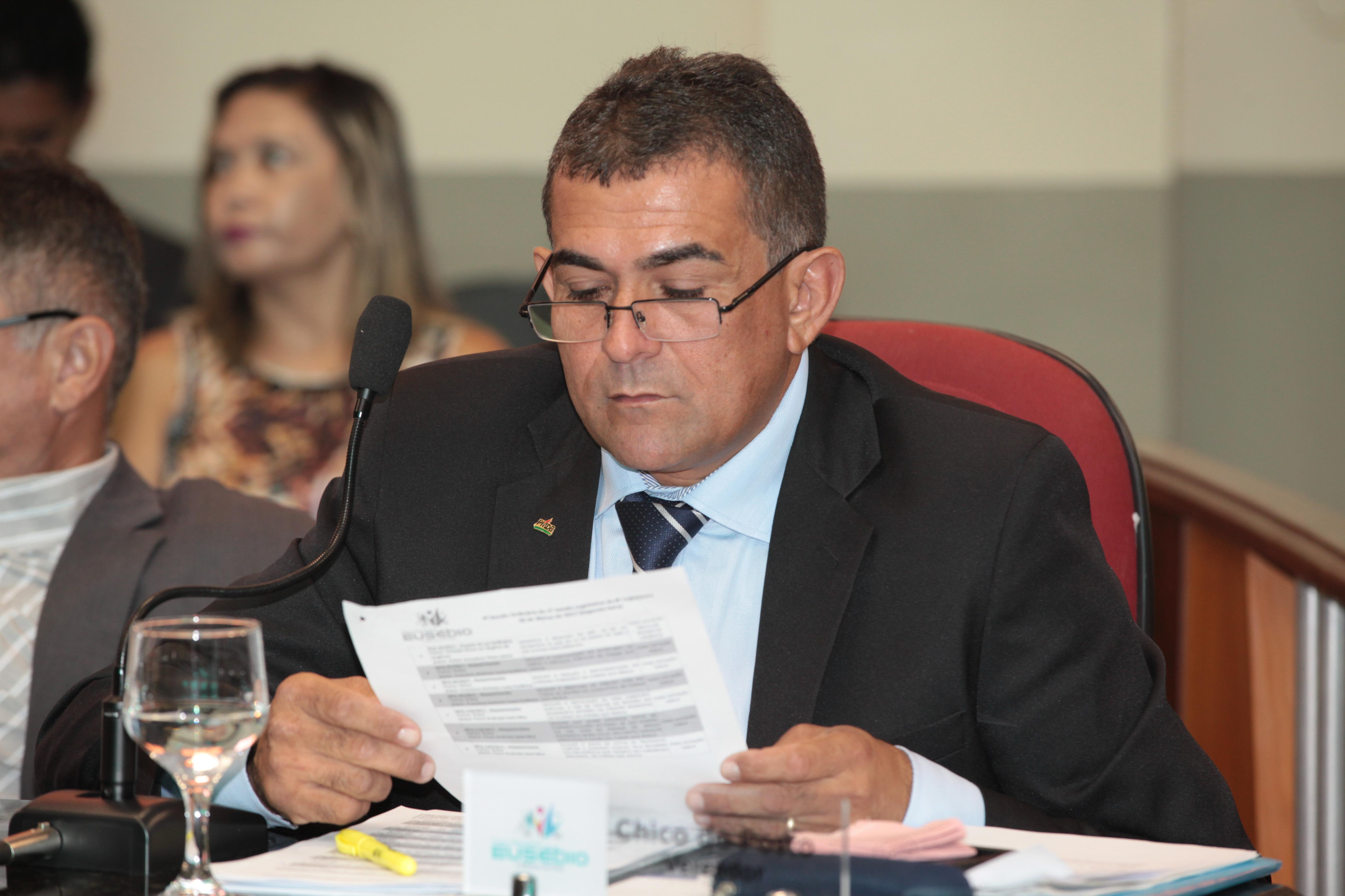 Vereador Chico do Posto solicita melhorias para os bairros Santo Antônio e Jabuti