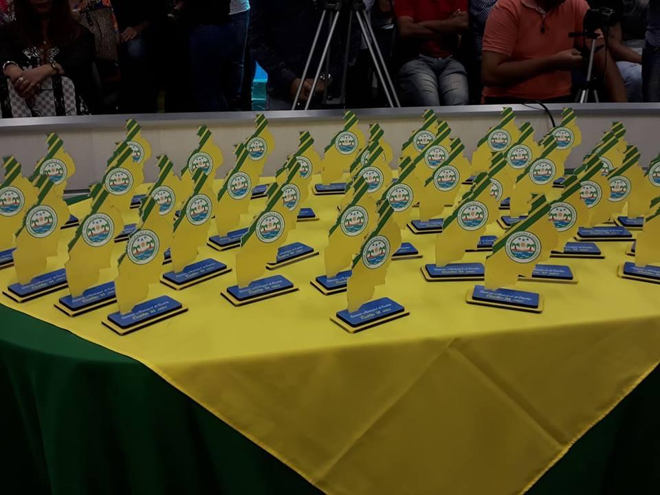 Câmara homenageia personalidades pelos 31 anos de emancipação de Eusébio