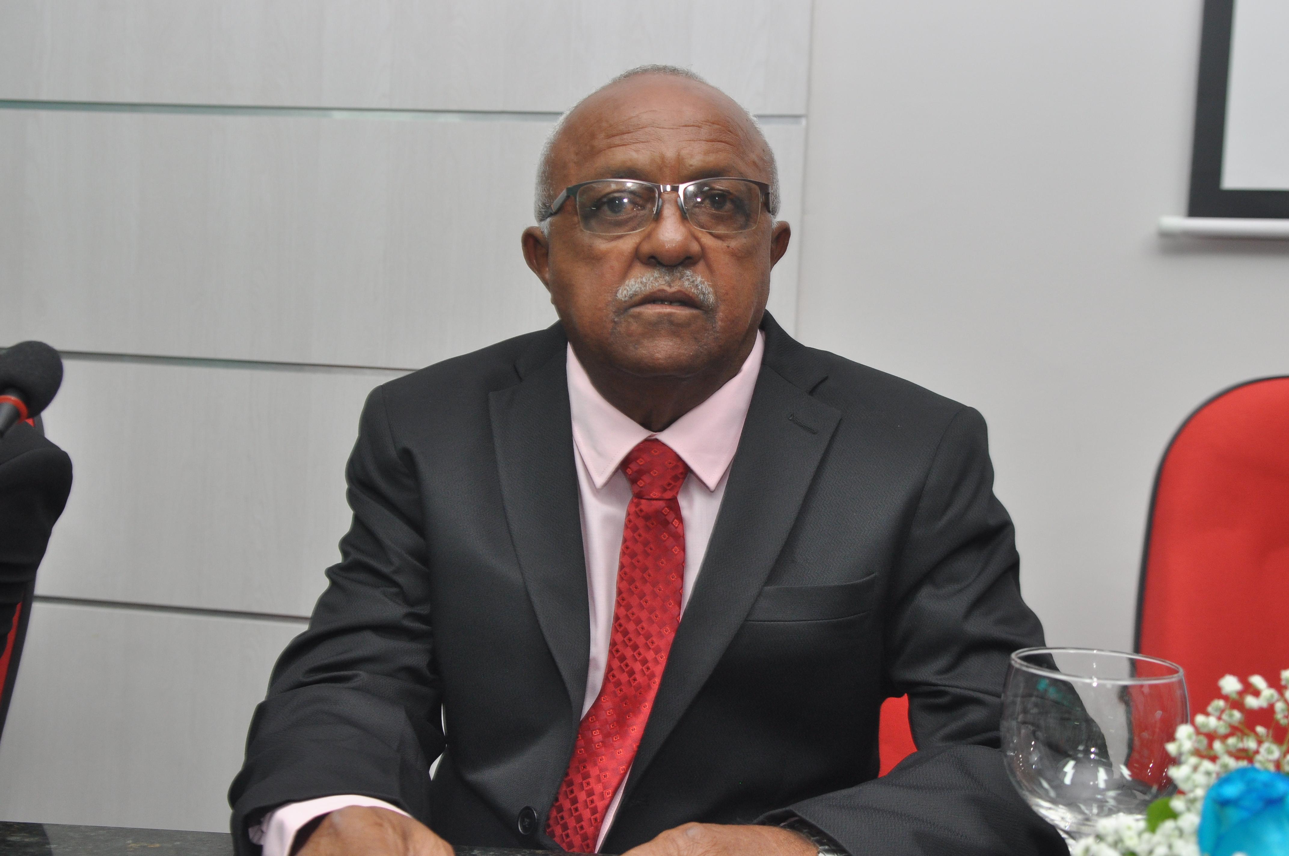 Presidente Paulo César solicita construção de ginásio poliesportivo, Centro de Educação Infantil e praças para o Jabuti
